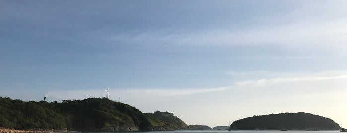 Nai Harn Beach is one of Lugares favoritos de Natalie.