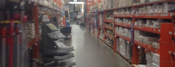 The Home Depot is one of Lieux qui ont plu à Garath.