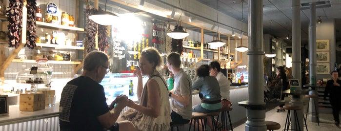 Casa Rafols is one of Restaurants 4*.