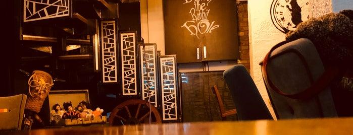 Rabbit Hole Burger & Pub is one of Nightlife In Eskişehir.