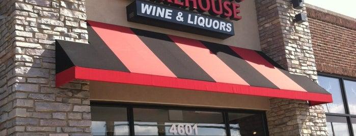 Garfields Beverage Warehouse is one of Posti che sono piaciuti a Josh.