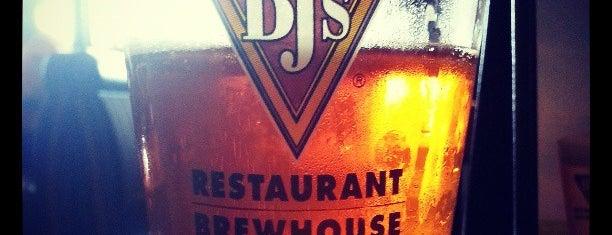 BJ's Restaurant & Brewhouse is one of Blake : понравившиеся места.
