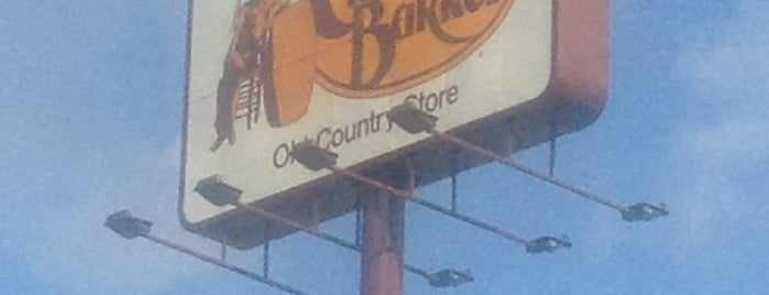 Cracker Barrel Old Country Store is one of Tempat yang Disukai Cralie.