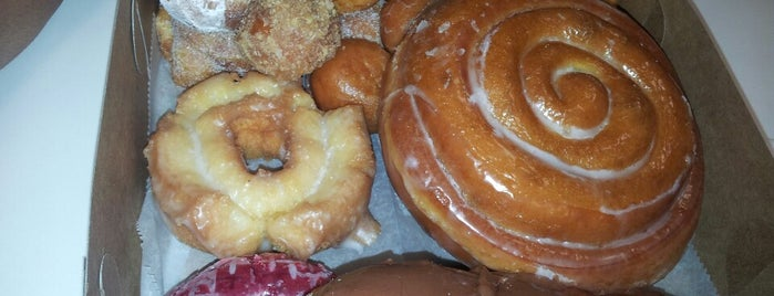 Somethin' Sweet Donuts is one of Chicago.