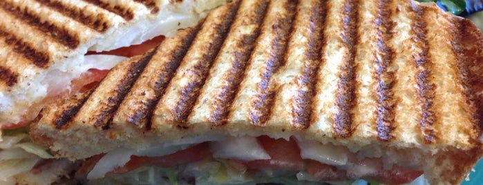 Garland Sandwich Shoppe is one of Saraさんのお気に入りスポット.