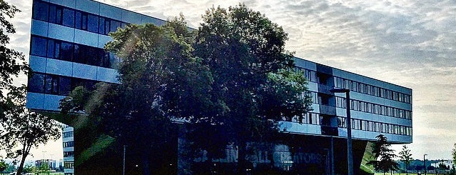 adidas HQ is one of 4sq365de (1/2).