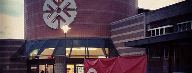 Centerpoint Mall is one of Sloto'nun Beğendiği Mekanlar.