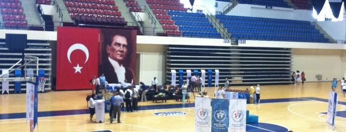 Halkapınar Spor Salonu is one of Locais curtidos por TC Tuba.