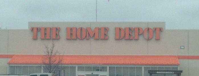The Home Depot is one of Orte, die Wayne gefallen.