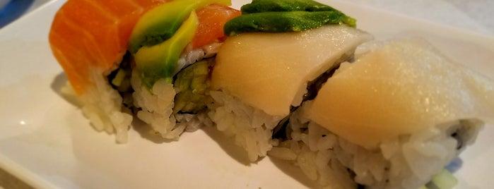 Fuji Sushi is one of McKenzie 님이 좋아한 장소.