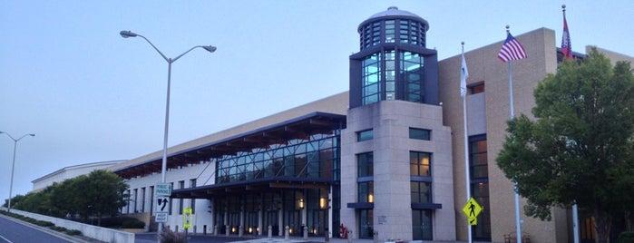 Hot Springs Convention Center is one of Gespeicherte Orte von Joe.
