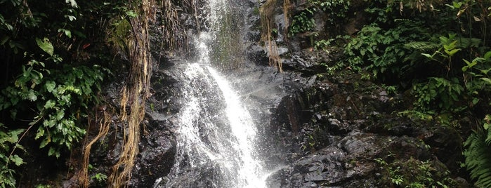 Durian Perangin Waterfall is one of LANGKAWI PLACES.