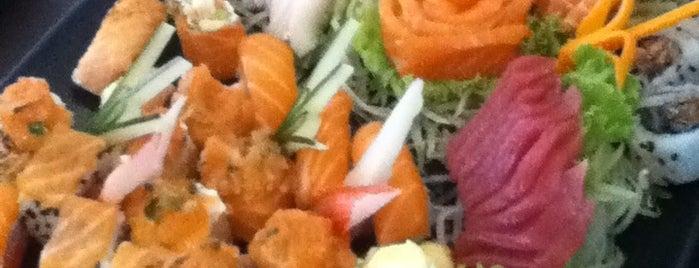 TAW Sushi Bar is one of Tempat yang Disukai Thiago.