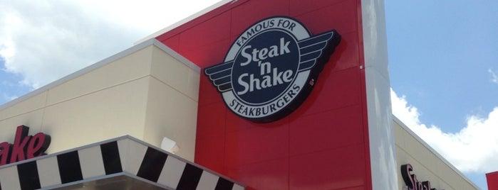 Steak 'n Shake is one of Lugares favoritos de John.