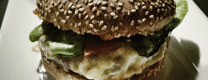Black Burger is one of BC | Hambúrguer e baixa gastronomia.
