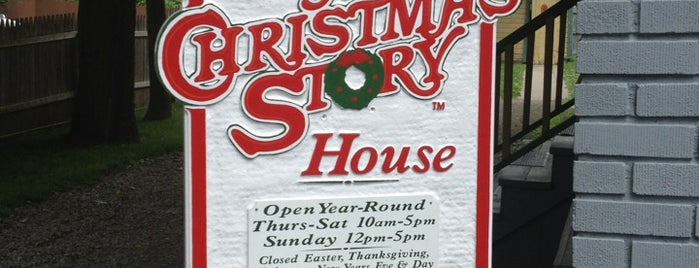 A Christmas Story House & Museum is one of Locais salvos de Lizzie.