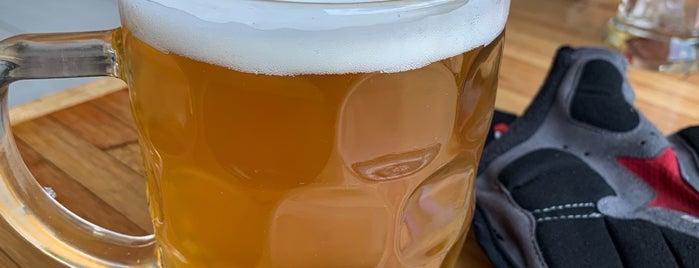 Copperlake Brewing Co is one of Lieux sauvegardés par Damon.