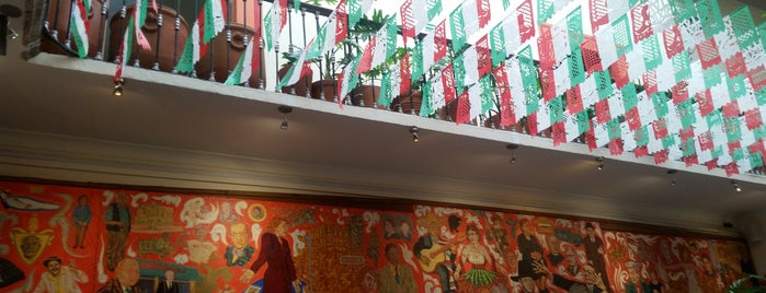 El Mural de los Poblanos is one of Andrea 님이 좋아한 장소.