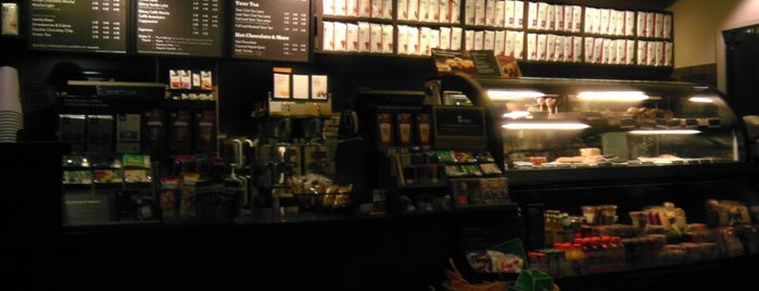 Starbucks is one of Lianne 님이 좋아한 장소.