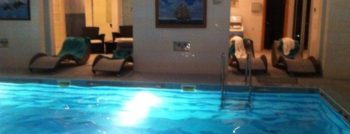 Президент-отель is one of Tempat yang Disimpan Marina.