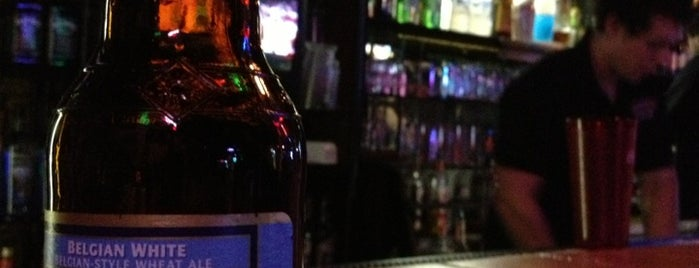 Hiccups Sports Bar and Grille is one of Chellyさんのお気に入りスポット.