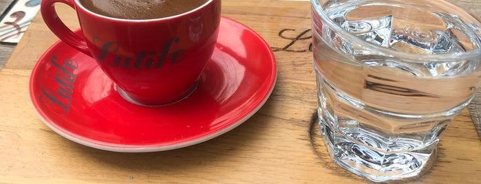 Latife Cafe is one of Whatever'in Beğendiği Mekanlar.