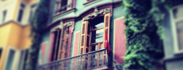 Papillon is one of Beyoglu.