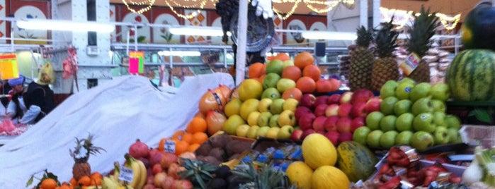 Bessarabischer Markt is one of Kyiv all.