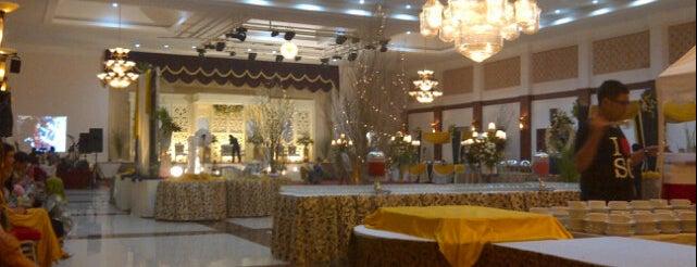 Ballroom Hotel Braja Mustika is one of Iyanさんのお気に入りスポット.