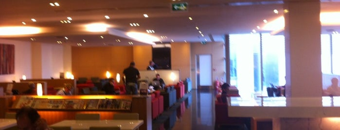 Cathay Pacific Lounge is one of Airports.