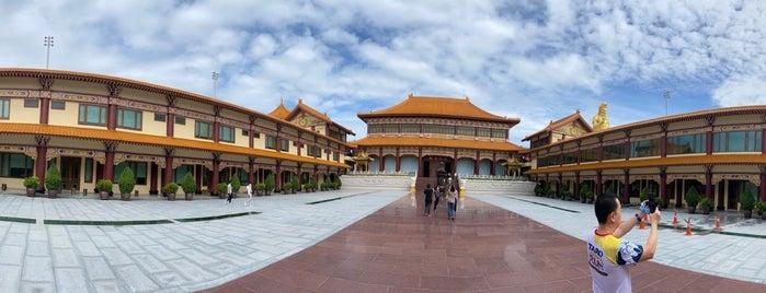 วัดโฝวกวงซัน ไท่ฮว๋าซื่อ is one of Lugares favoritos de farsai.