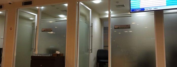 Bangkok Hospital is one of farsai's Liked Places.