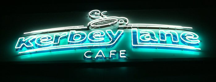 Kerbey Lane Café is one of Locais curtidos por Natasha.