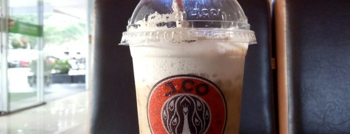 J.Co Donuts & Coffee is one of Balikpapan.
