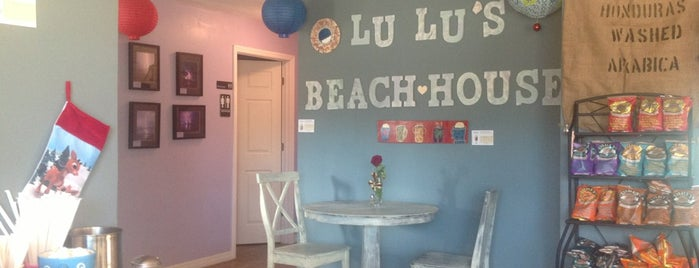 LuLu's Beach House Cafe is one of Tallさんの保存済みスポット.