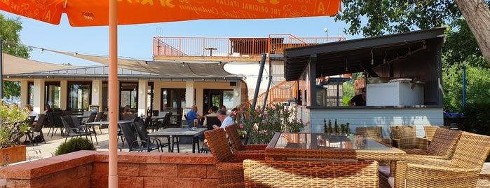 Pura Vida Port Restaurant is one of Balaton.