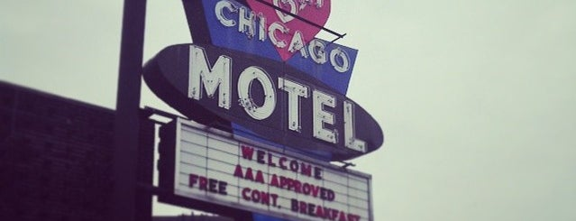 Heart Of Chicago Motel is one of Road Trip.