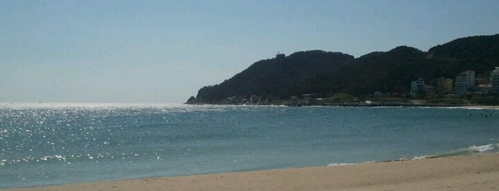 Songjeong Beach is one of 부산.