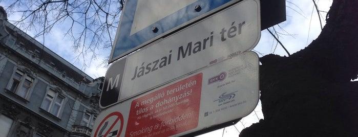 Jászai Mari tér (9, 26, 91, 191, 226, 291, 923, 931, 934) is one of Cosentino'nun Beğendiği Mekanlar.