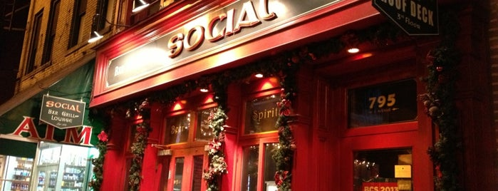 Social Bar, Grill & Lounge is one of JC NYC Rooftops.