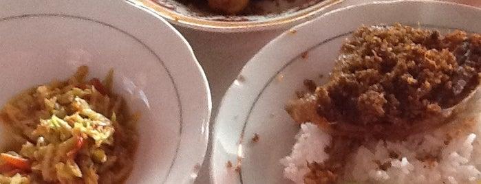 Nasi Bebek Sinjay is one of The most favorite foods in Surabaya.