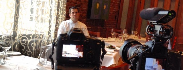Epoch Restaurant & Bar in The Exeter Inn is one of Posti che sono piaciuti a Alberto J S.
