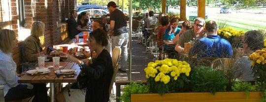 Punch Neapolitan Pizza is one of Posti che sono piaciuti a Austin.