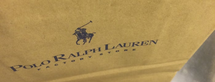 Ralph Lauren is one of Tempat yang Disukai Gordon.