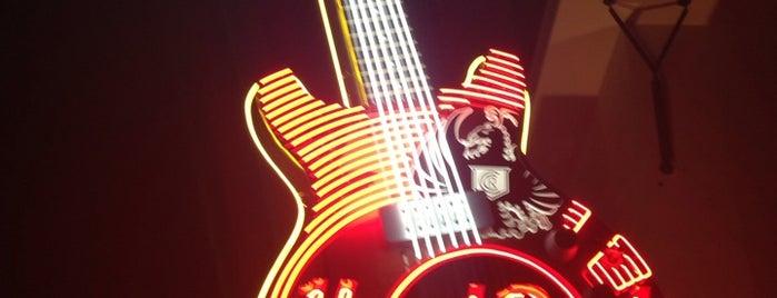 Hard Rock Cafe San Jose is one of Karla'nın Beğendiği Mekanlar.