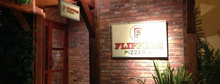 Flippers Pizzeria is one of Jennifer 님이 좋아한 장소.