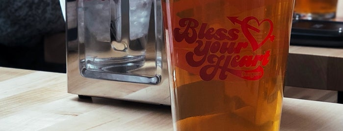 Bless Your Heart Burgers & Bar is one of สถานที่ที่ Cusp25 ถูกใจ.