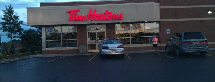 Tim Hortons is one of Tempat yang Disukai Brandon.