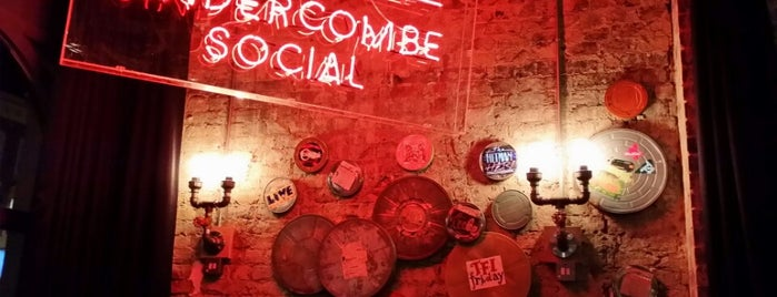 The Sindercombe Social is one of Lieux qui ont plu à Rhys.