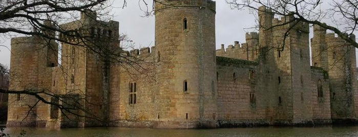 Bodiam Castle is one of Locais salvos de Sevgi.